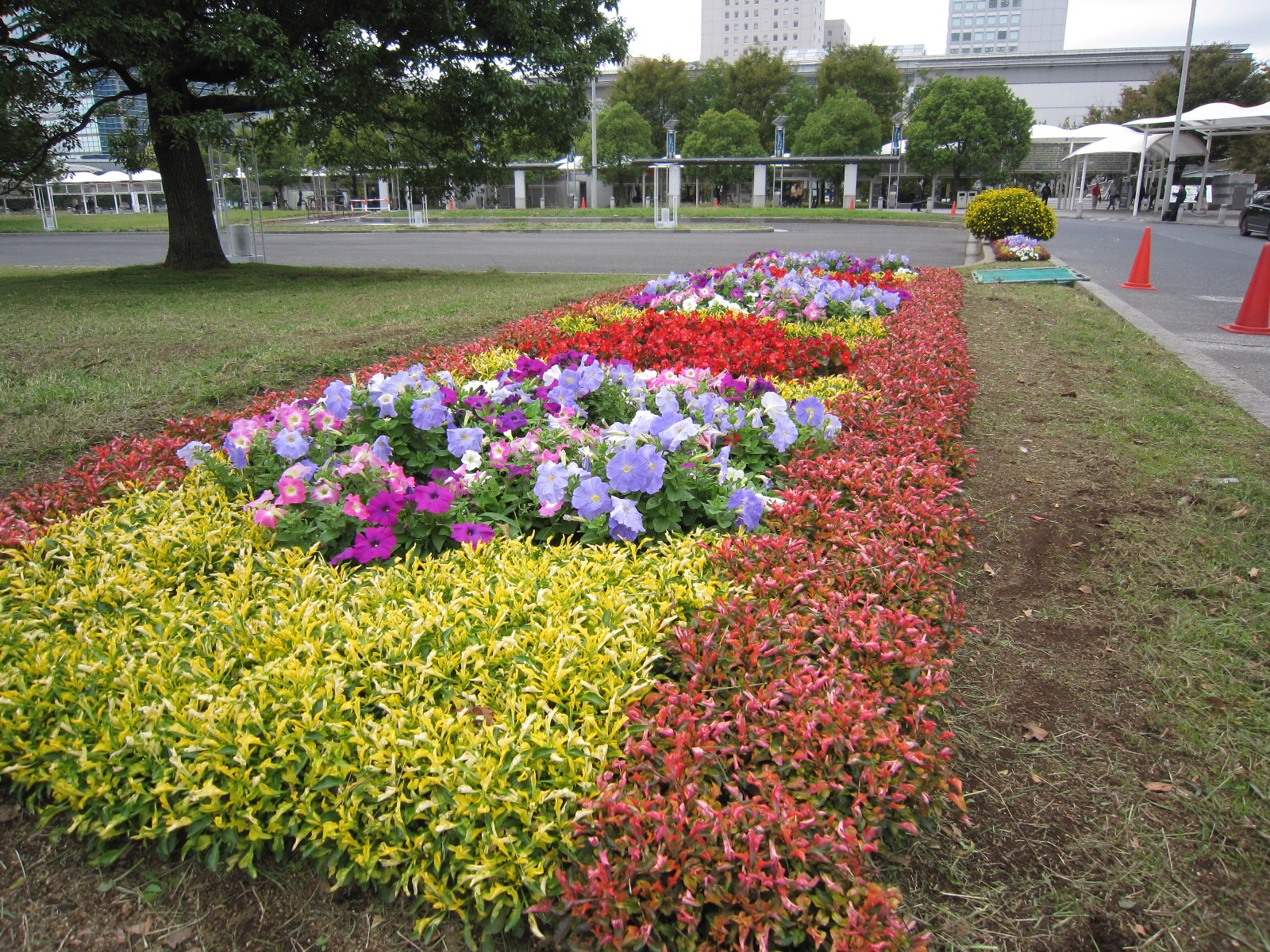 平成28年度国際展示場駅前広場内他1箇所緑地保護管理委託